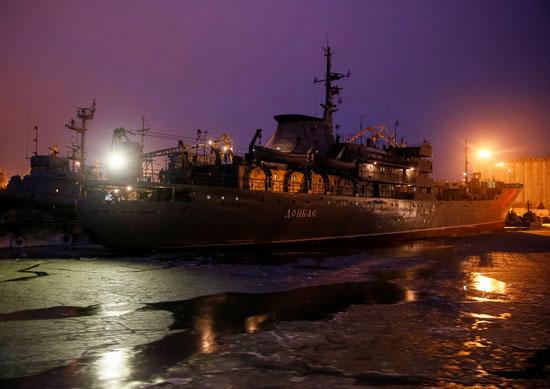 سفن-أوكرانية-تحتجزها-روسيا-(2)