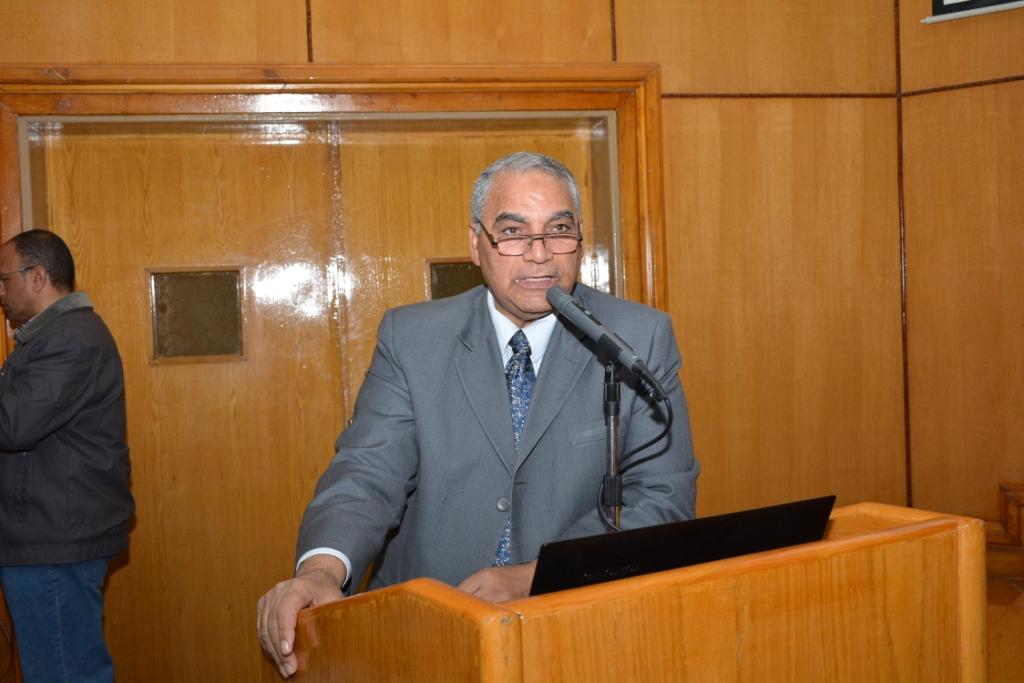 ندوة التشريعات ومكافحة الإدمان بجامعة أسيوط (7)