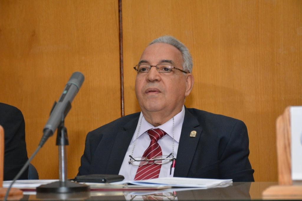 ندوة التشريعات ومكافحة الإدمان بجامعة أسيوط (3)