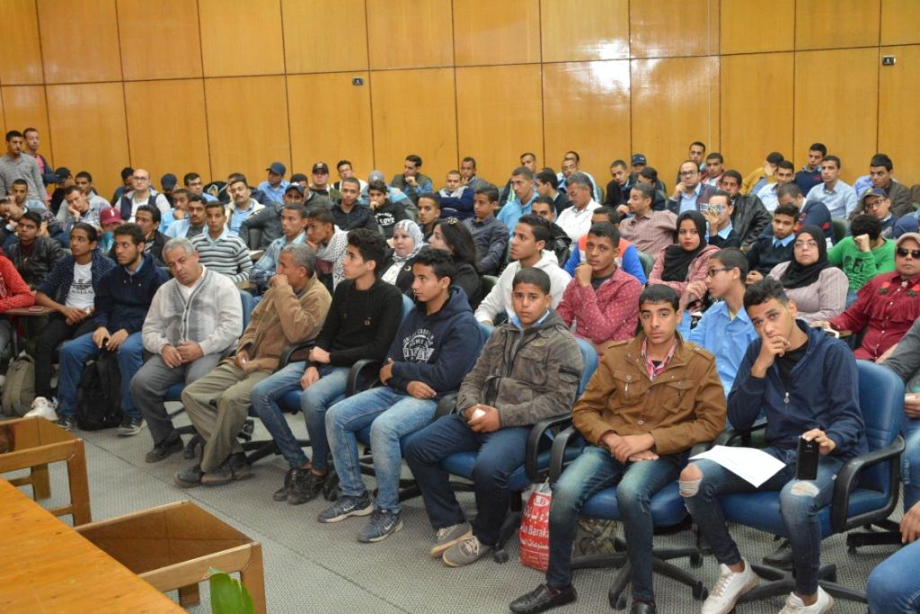 ندوة التشريعات ومكافحة الإدمان بجامعة أسيوط (4)