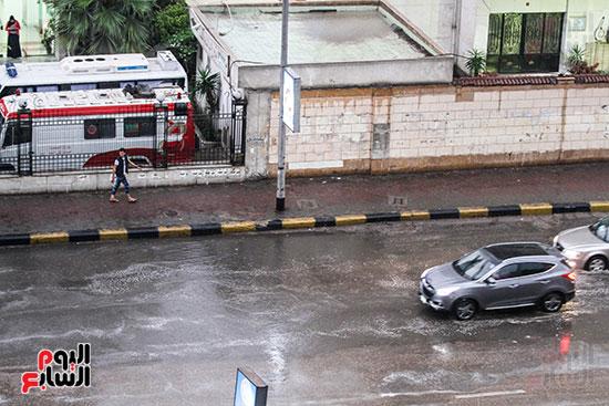 71879-صور-أمطار-غزيرة-بالقاهرة-والجيزة-(7)