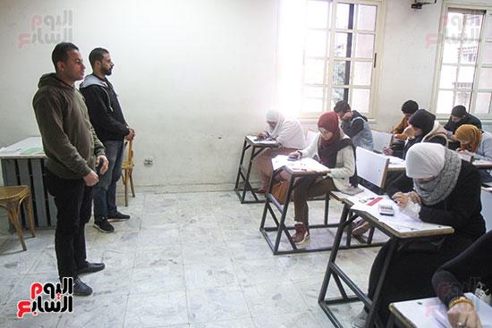 امتحانات جامعة القاهرة (2)