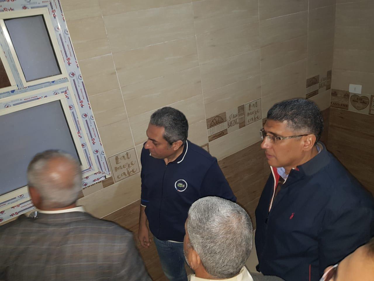 نائب وزير الإسكان يتفقد عدد من مشروعات مدينة القاهرة الجديدة (6)