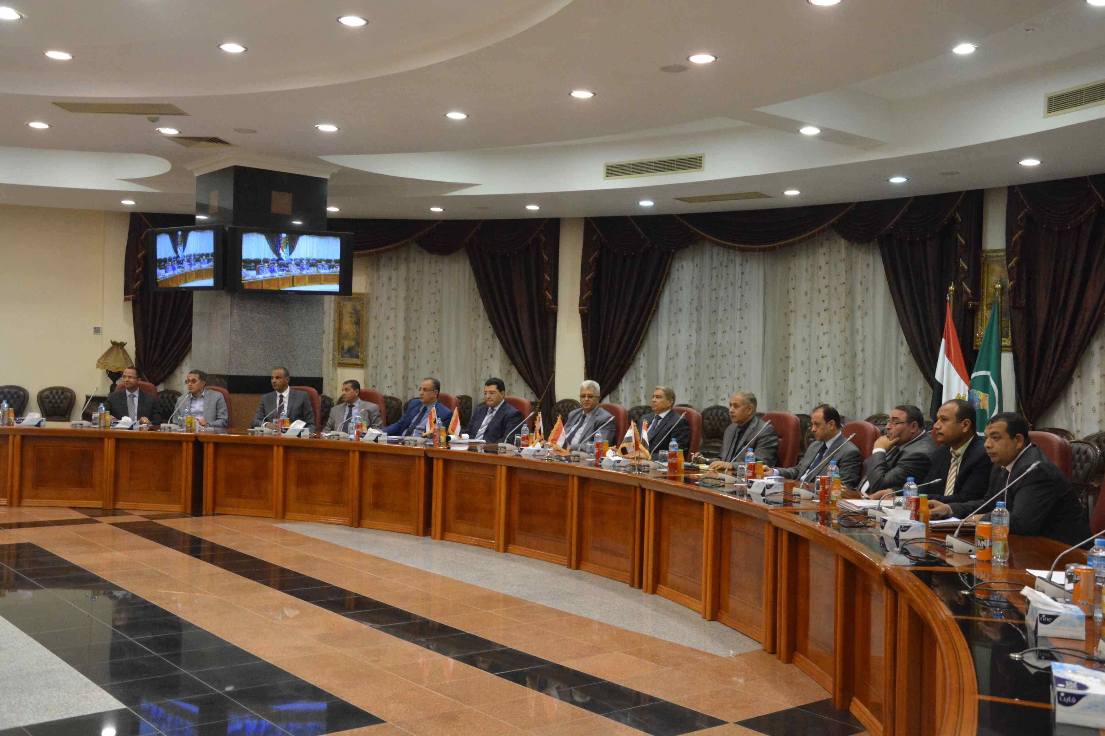 مجلس ادارة المنطقة الحرة (1)