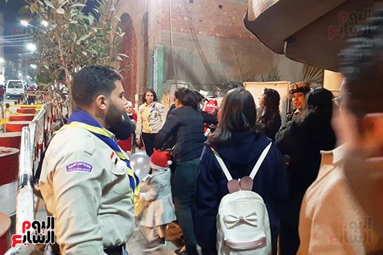الشرطة النسائية تشارك فى تأمين كنائس أسيوط (2)