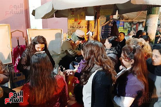 الشرطة النسائية تشارك فى تأمين كنائس أسيوط (9)