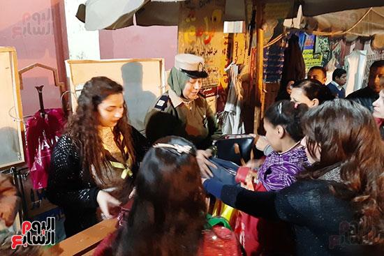 الشرطة النسائية تشارك فى تأمين كنائس أسيوط (7)