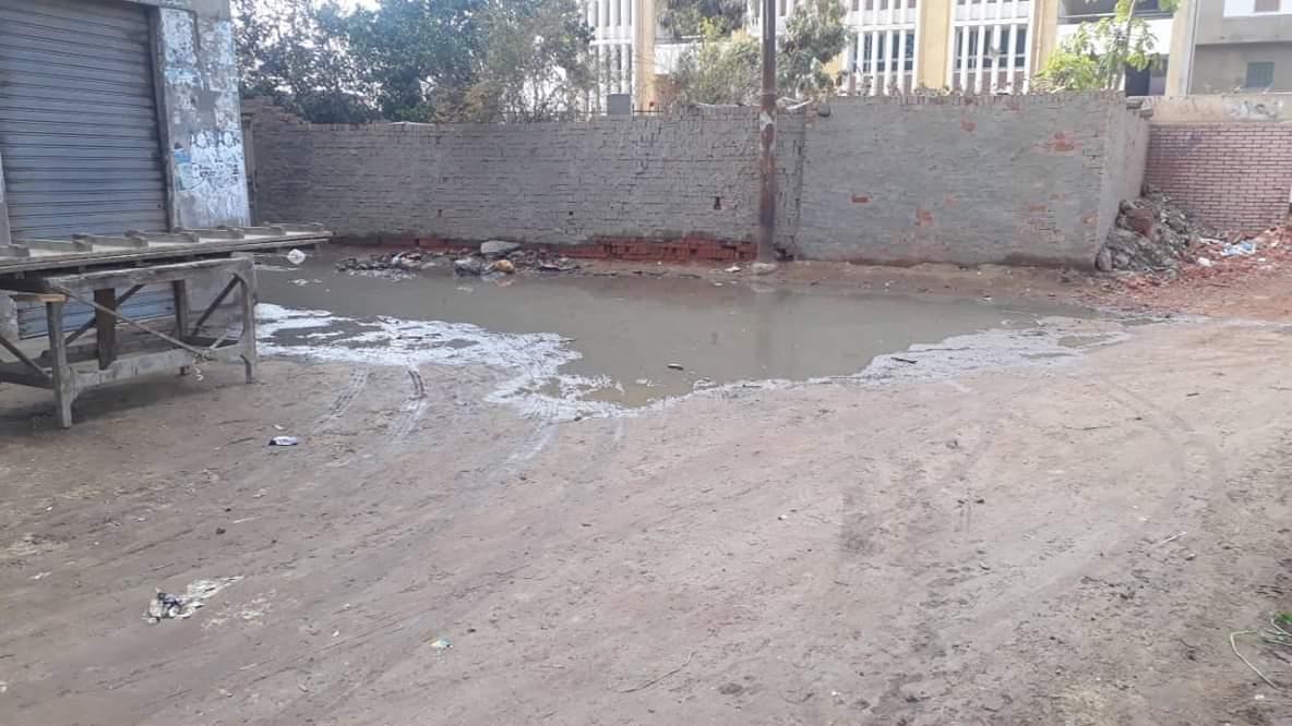 الصرف الصحي يغرق الشوارع