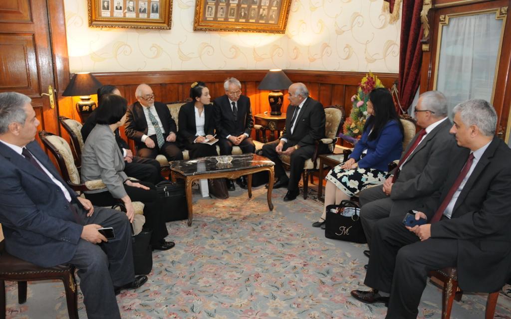 رئيس استئناف القاهرة خلال استقباله الوفد اليابان (2)