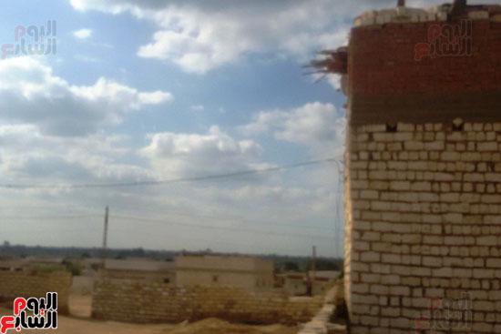 أهالى قرية محمد رضوان ببنى سويف يشكون انعدام الخدمات بالمحافظة (10)
