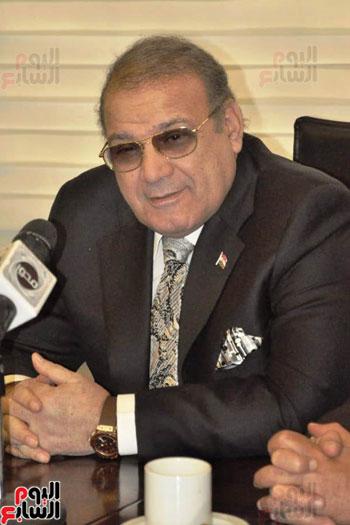 حسن راتب يوقع عقد شراء أرض الجامعة الدولية بالعاصمة الإدارية (5)