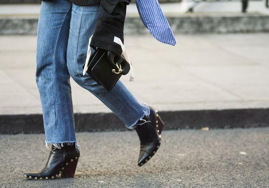 حذاء رفيع