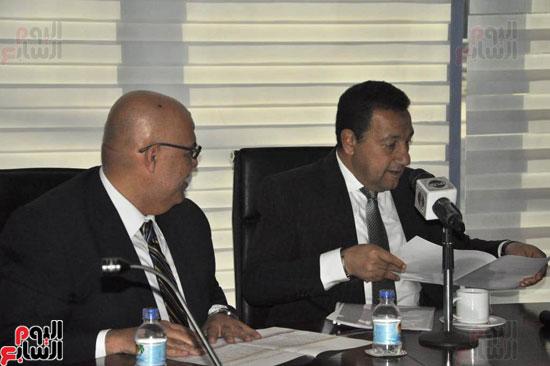 حسن راتب يوقع عقد شراء أرض الجامعة الدولية بالعاصمة الإدارية (11)