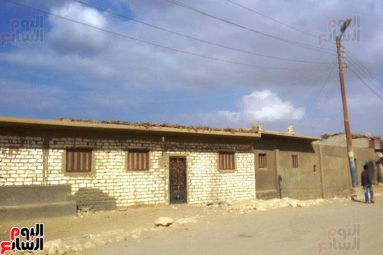 أهالى قرية محمد رضوان ببنى سويف يشكون انعدام الخدمات بالمحافظة (7)