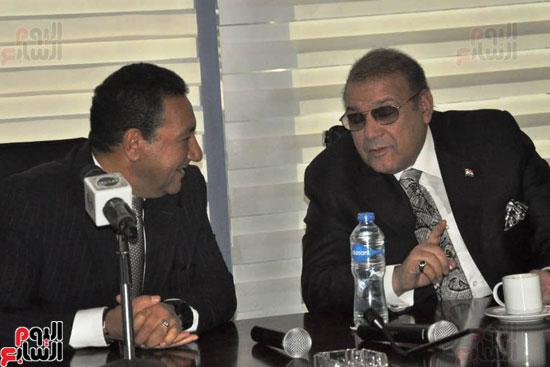 حسن راتب يوقع عقد شراء أرض الجامعة الدولية بالعاصمة الإدارية (21)