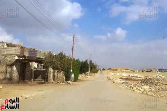 أهالى قرية محمد رضوان ببنى سويف يشكون انعدام الخدمات بالمحافظة (1)