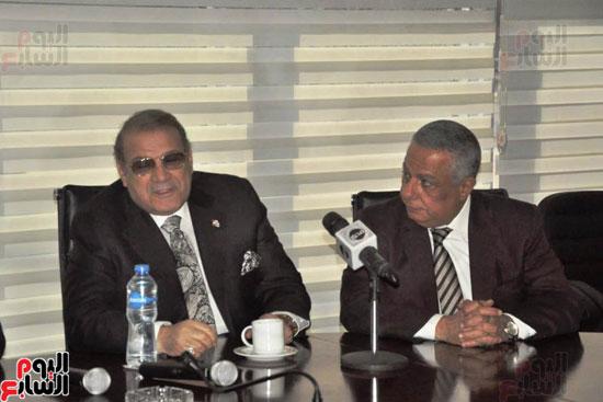 حسن راتب يوقع عقد شراء أرض الجامعة الدولية بالعاصمة الإدارية (12)