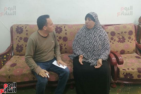 أرملة ببنى سويف تطالب بإعادة بناء منزلها المحترق وشراء جهاز عرس ابنتها (7)