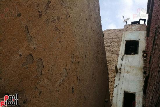 أرملة ببنى سويف تطالب بإعادة بناء منزلها المحترق وشراء جهاز عرس ابنتها (3)