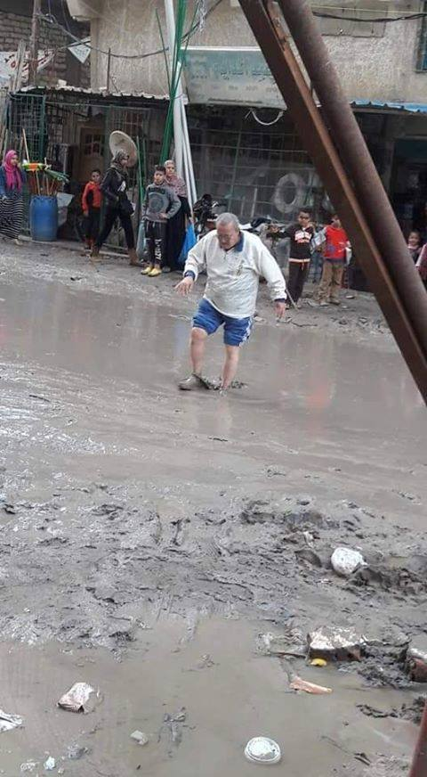 غرق شوارع منطقة خورشيد بمياه الصرف