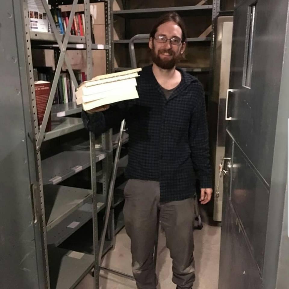 نقل المكتبة