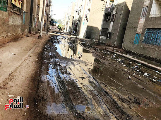 الصرف الصحى يغرق مساكن حى حسام كيلانى (8)