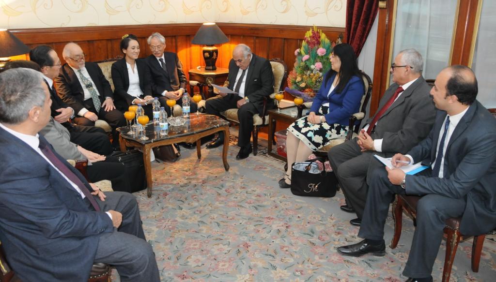 رئيس استئناف القاهرة خلال استقباله الوفد اليابان (4)