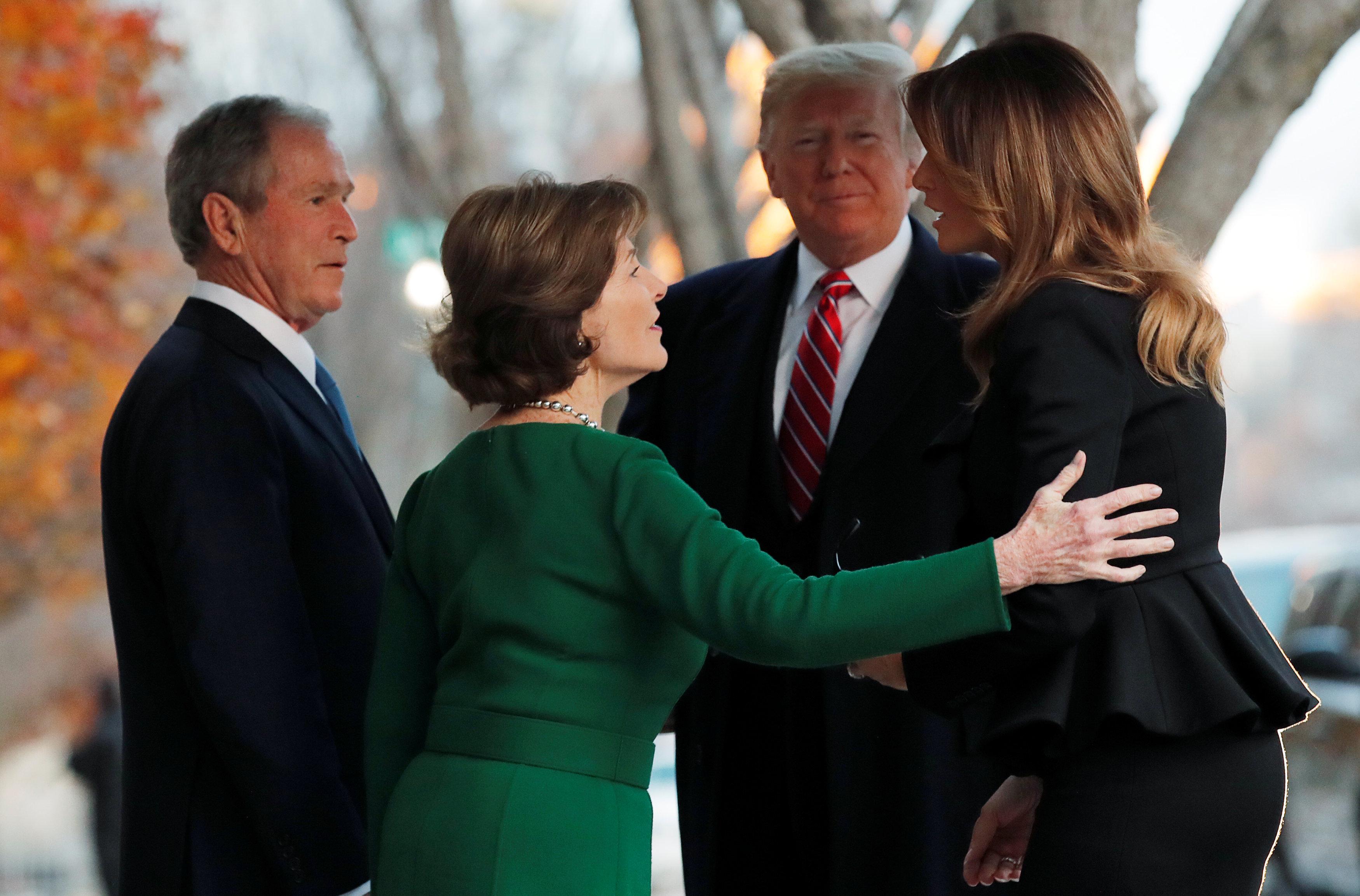 أسرة جورج بوش تستقبل ترامب وميلانيا