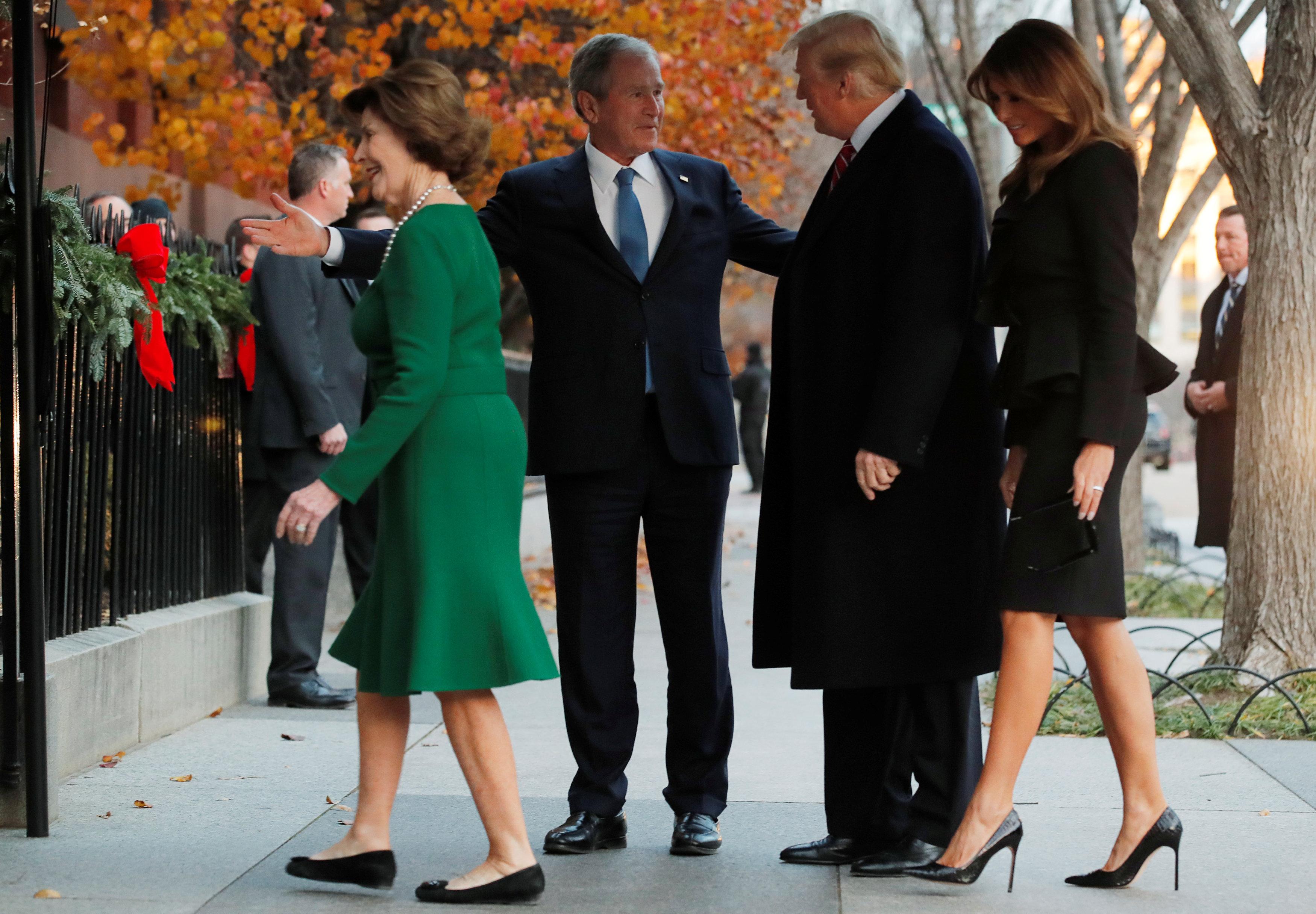 ترحيب أسرة جورج بوش بالرئيس الأمريكى وقرينته