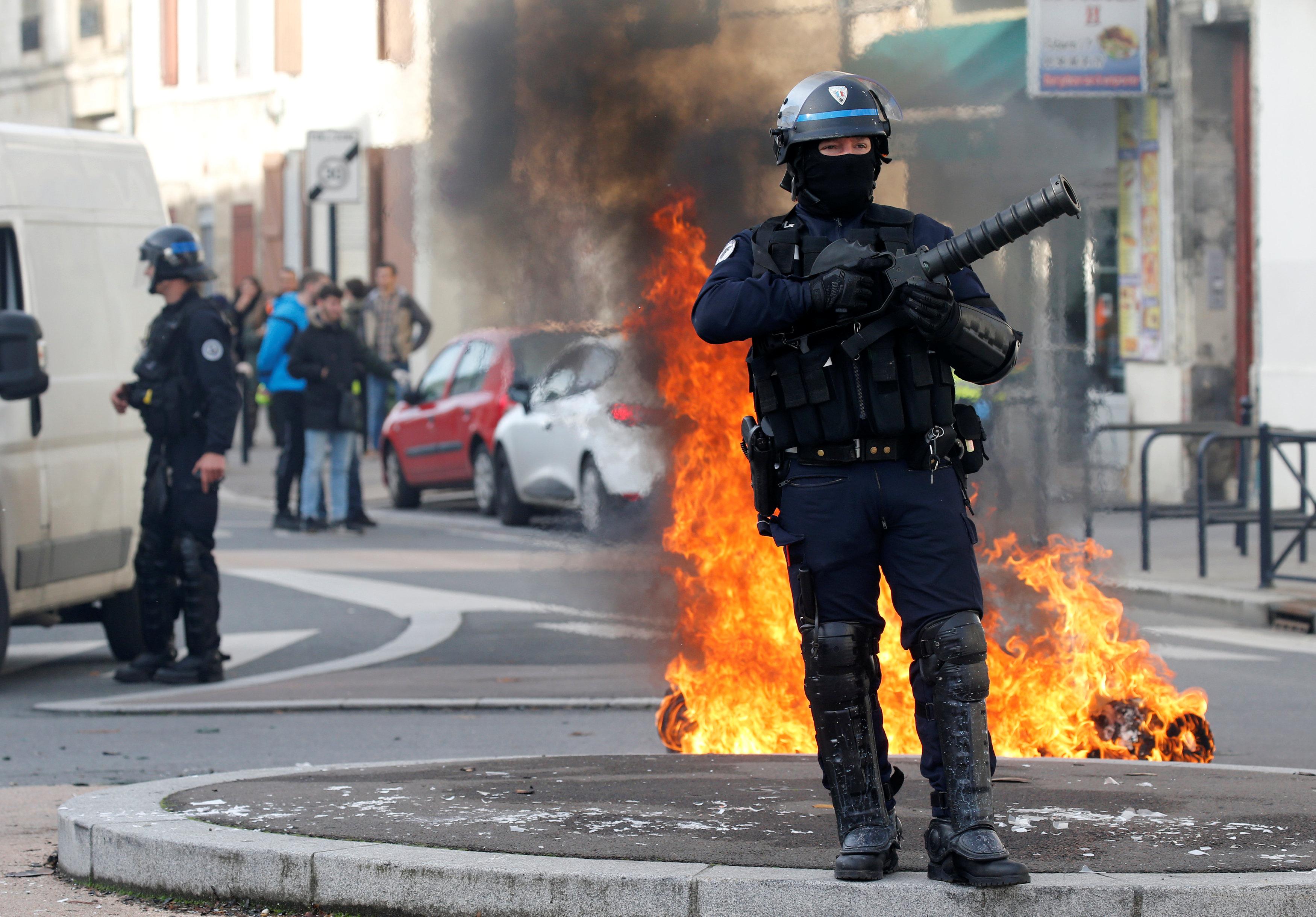 رجال الشرطة الفرنسيين