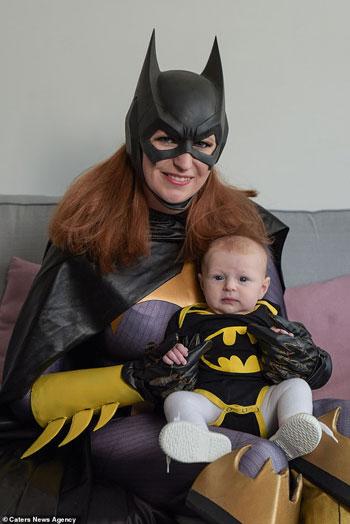 كاتى مع ابنتها  (1)