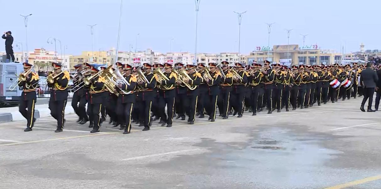 الموسيقى العسكرية في استقبال الطلاب الجدد