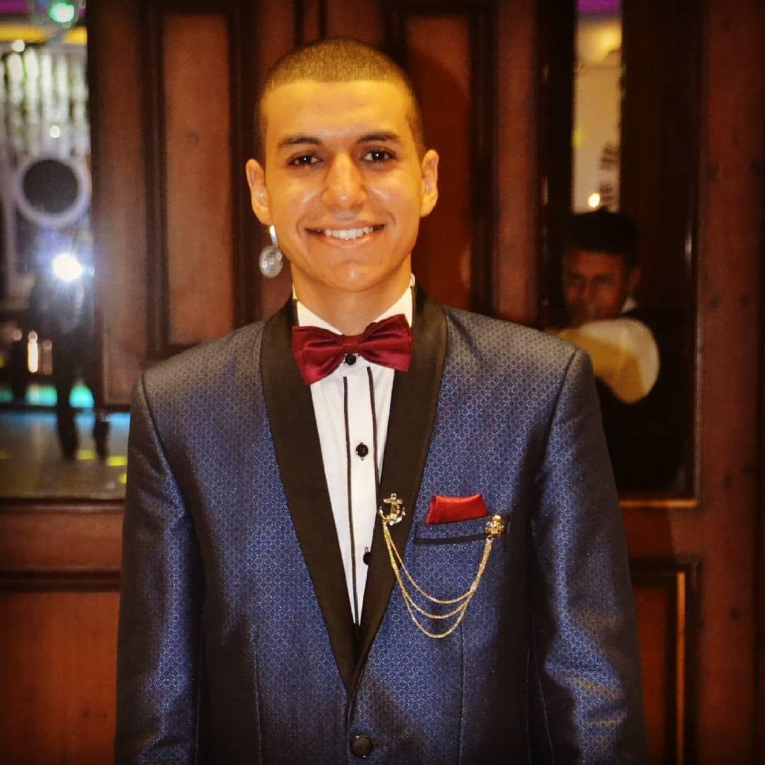 الشاب محمود أبو زيد  19 عاما  (4)