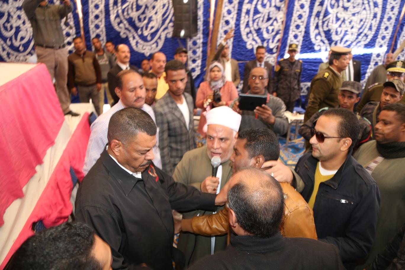 جلسة صلح قودة بين عائلتين بقنا (4)