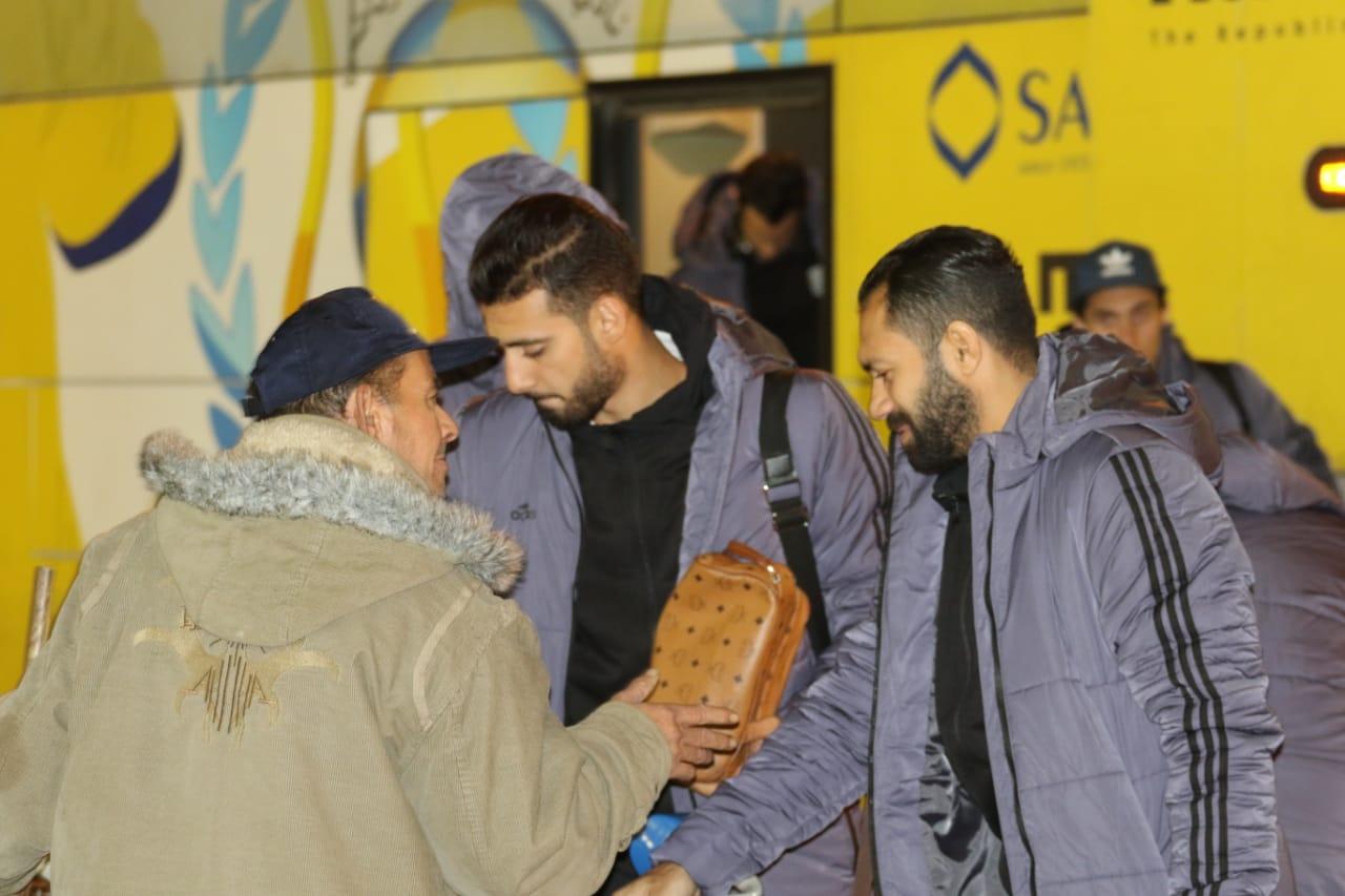 بعثة الإسماعيلى تصل مطار القاهرة استعدادًا للسفر للمغرب (13)