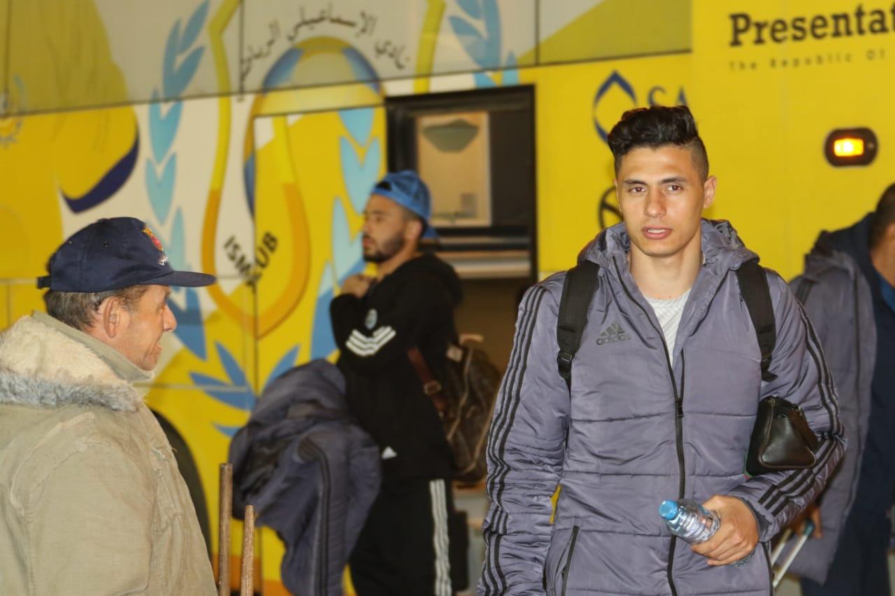 بعثة الإسماعيلى تصل مطار القاهرة استعدادًا للسفر للمغرب (1)