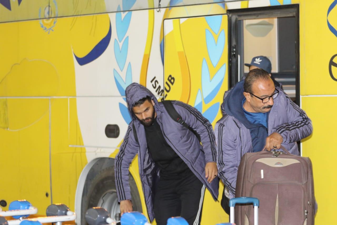 بعثة الإسماعيلى تصل مطار القاهرة استعدادًا للسفر للمغرب (3)