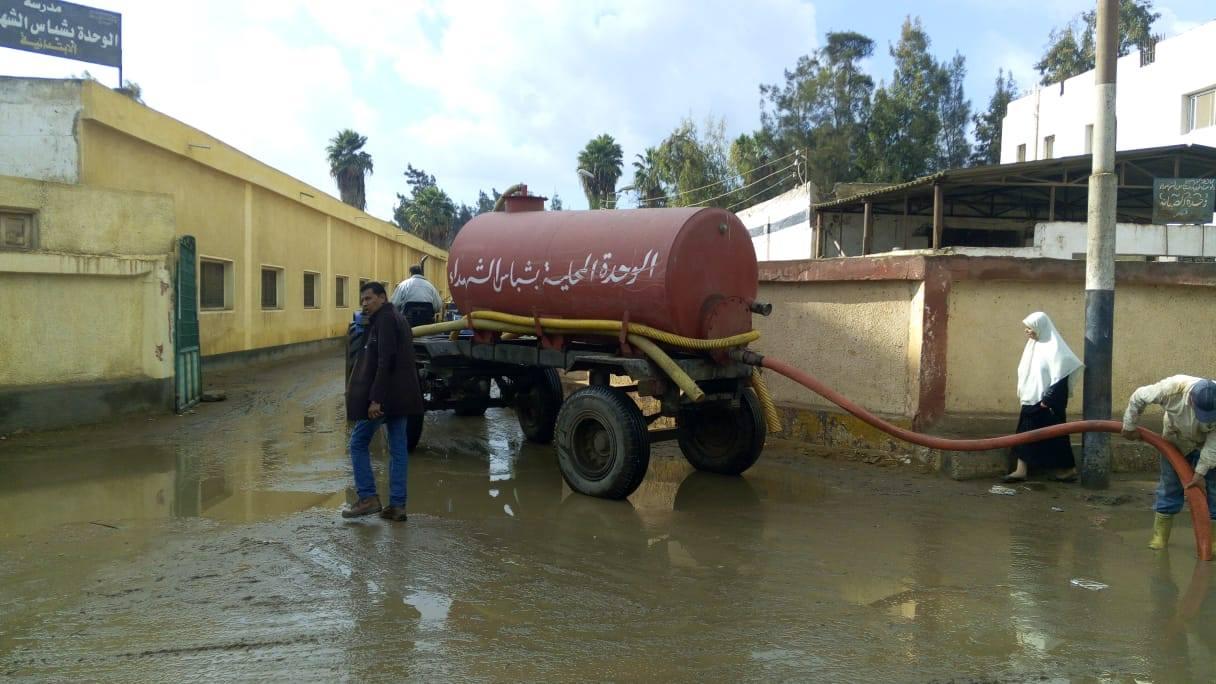 3- رفع مياه الامطار بقرى دسوق
