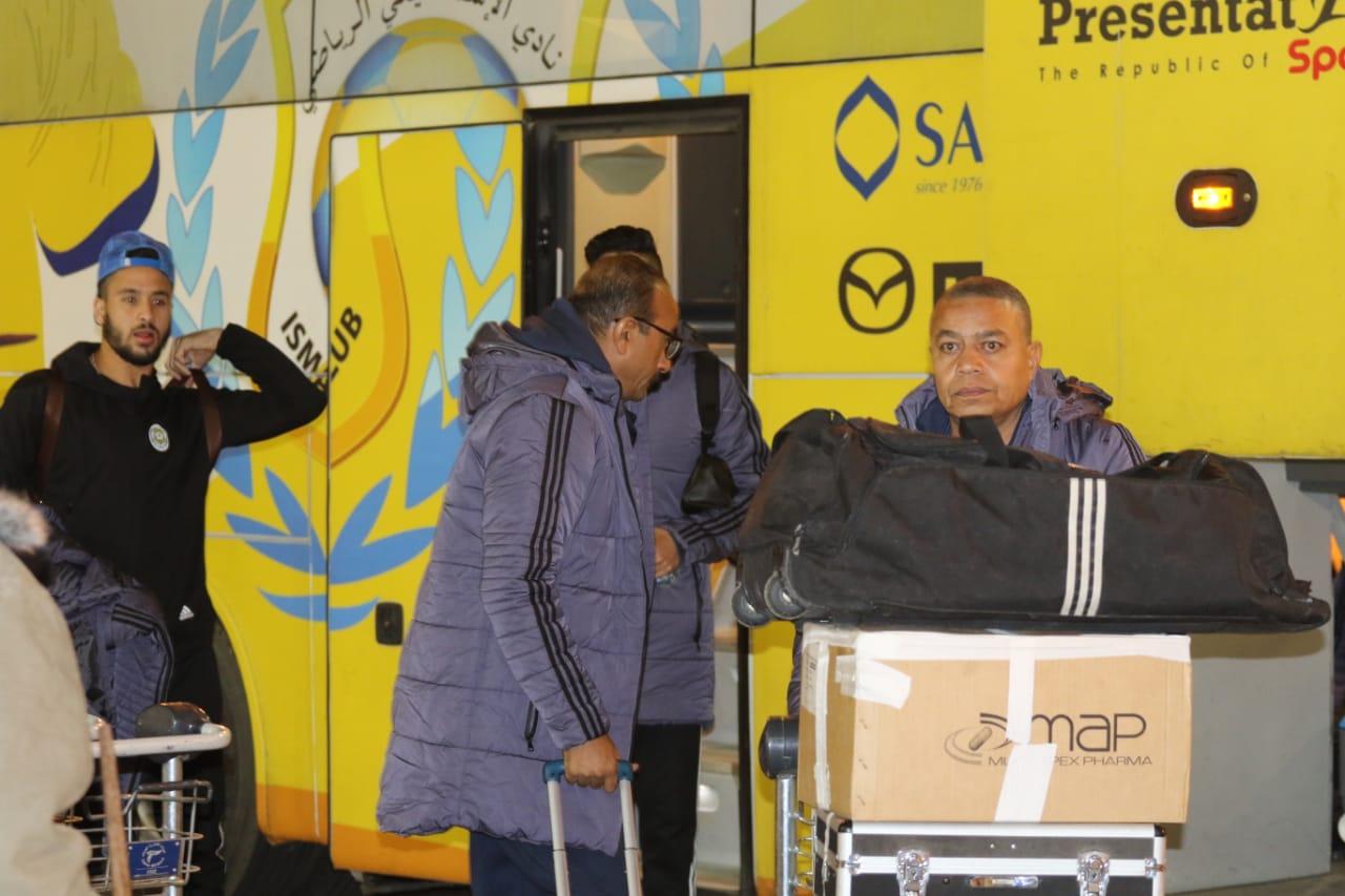 بعثة الإسماعيلى تصل مطار القاهرة استعدادًا للسفر للمغرب (12)