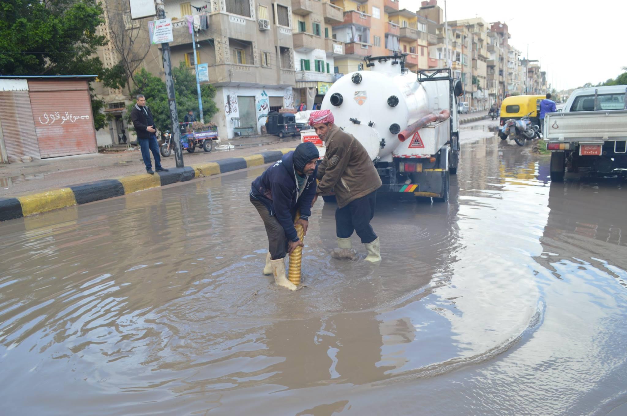 6- تراكم مياه الامطار بالشوارع