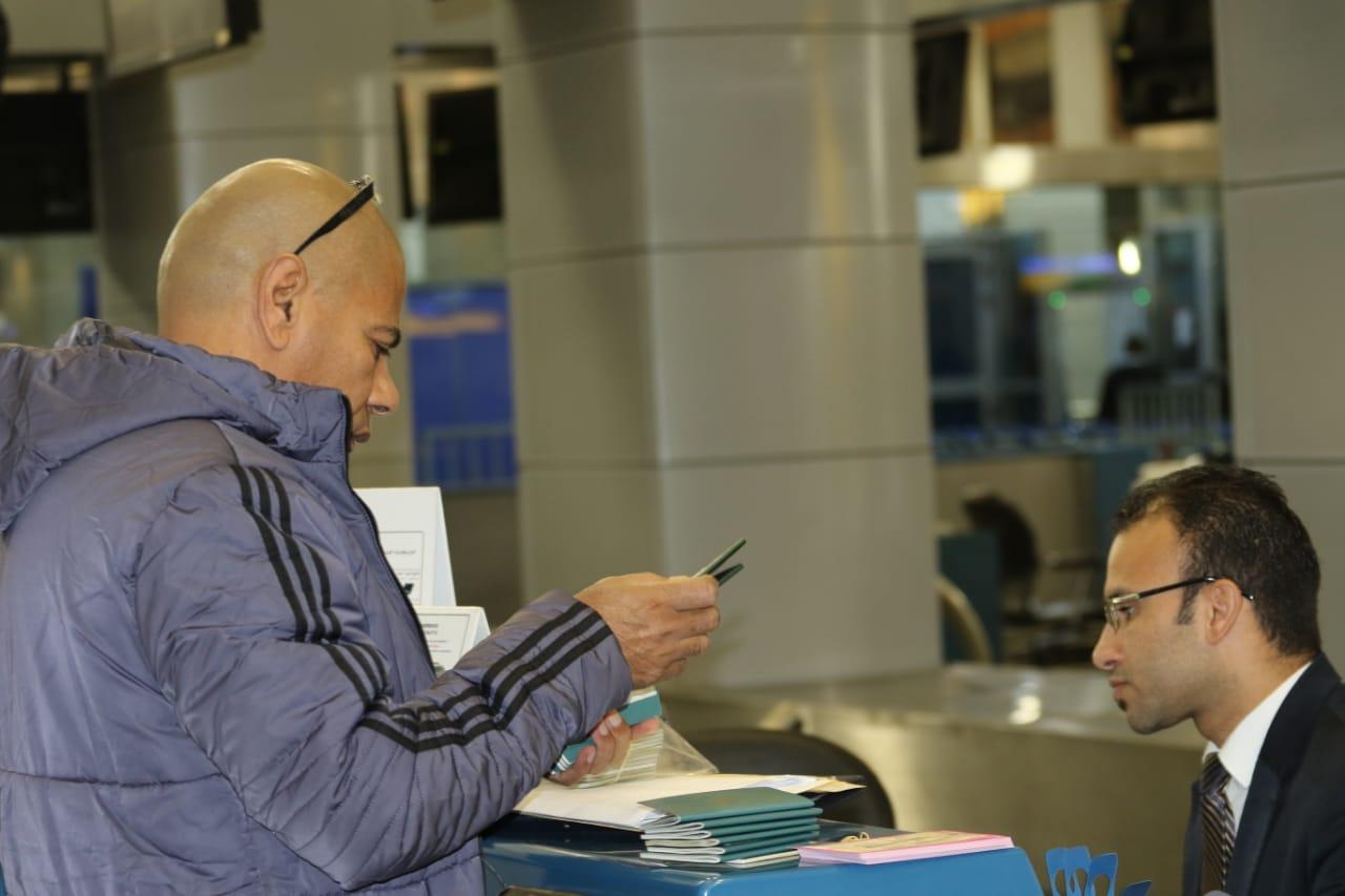 بعثة الإسماعيلى تصل مطار القاهرة استعدادًا للسفر للمغرب (19)