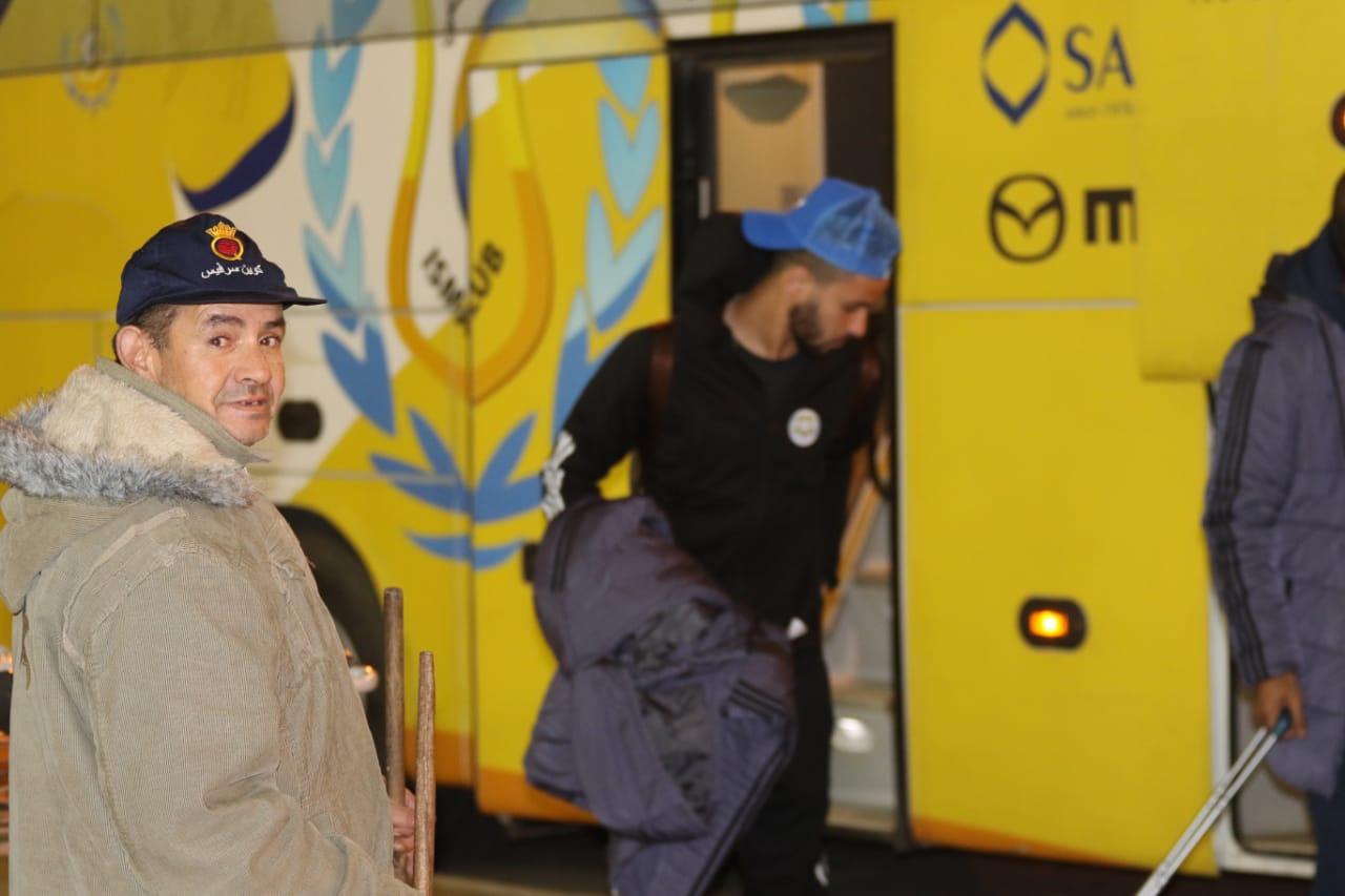 بعثة الإسماعيلى تصل مطار القاهرة استعدادًا للسفر للمغرب (10)