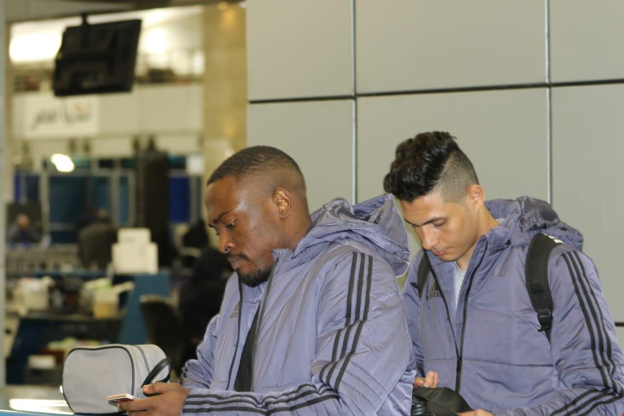 بعثة الإسماعيلى تصل مطار القاهرة استعدادًا للسفر للمغرب (9)