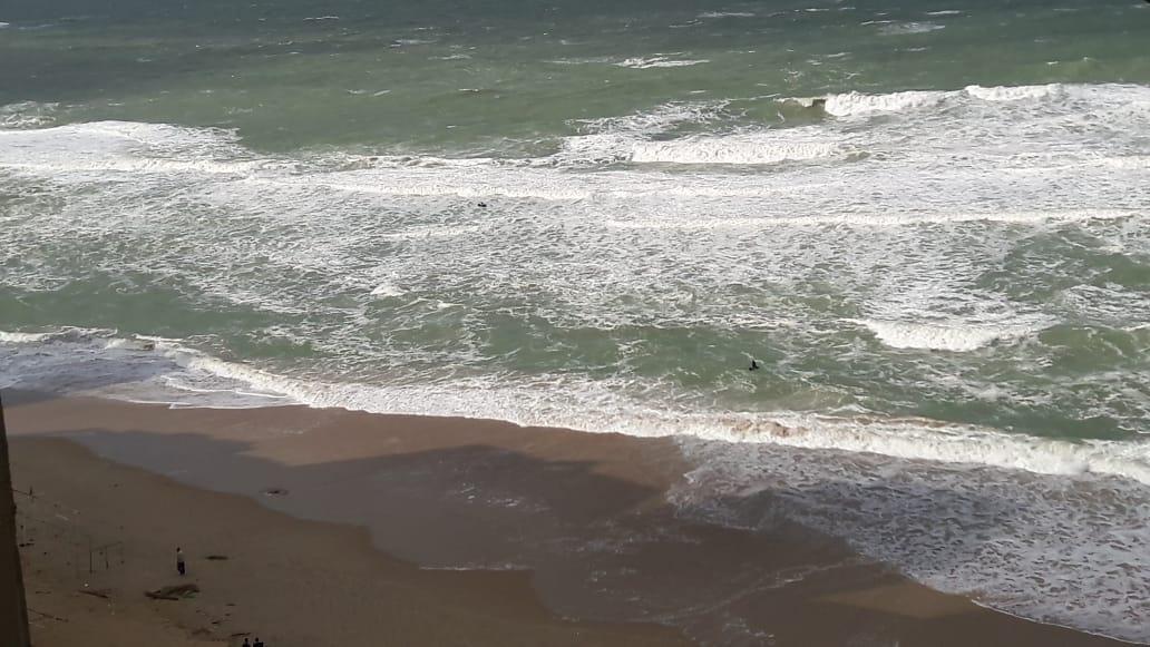 أرتفاع الامواج فى  نوة قاسم  بالاسكندرية  (2)