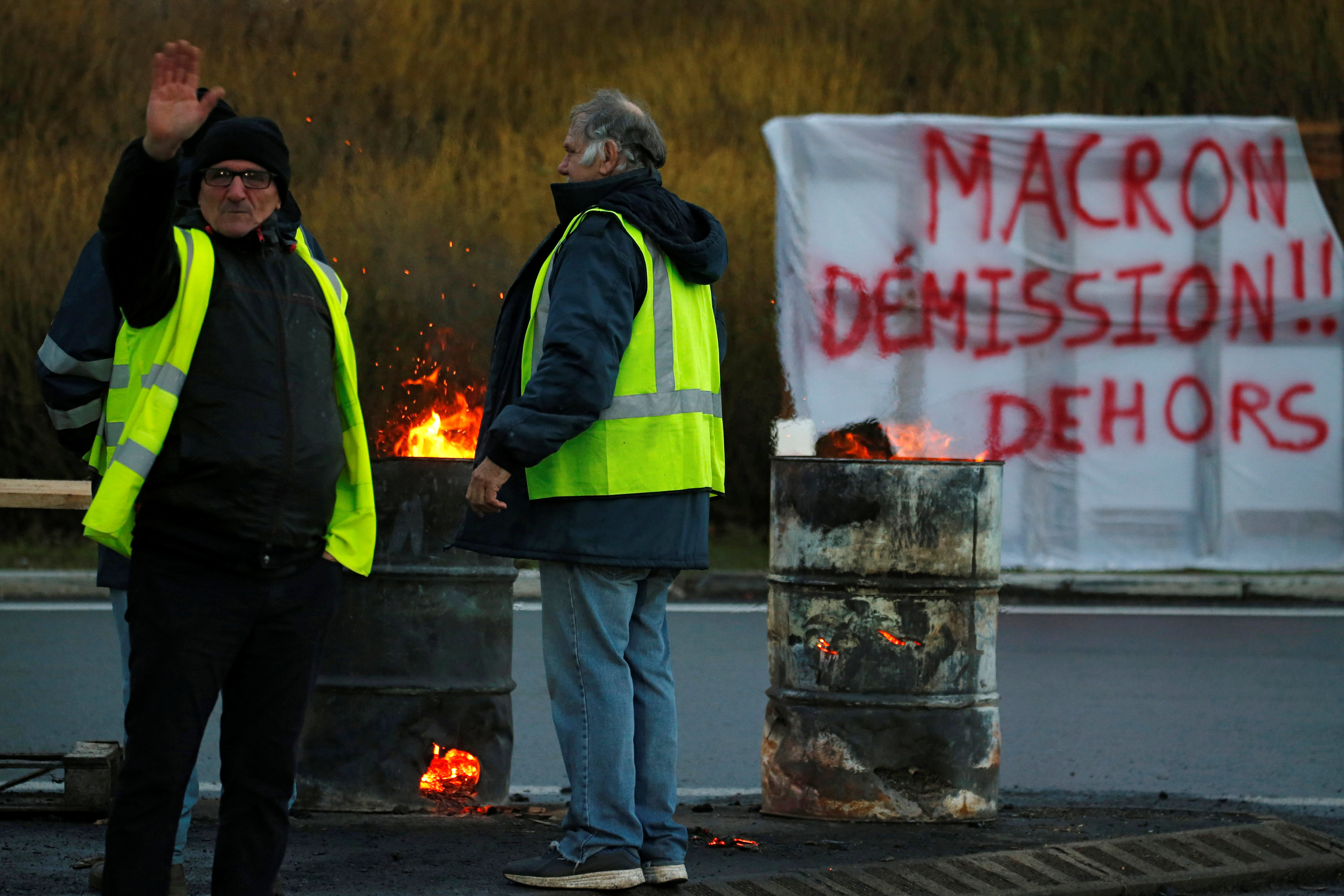 2018-12-07T160643Z_1887360339_RC13F1889840_RTRMADP_3_FRANCE-PROTESTS