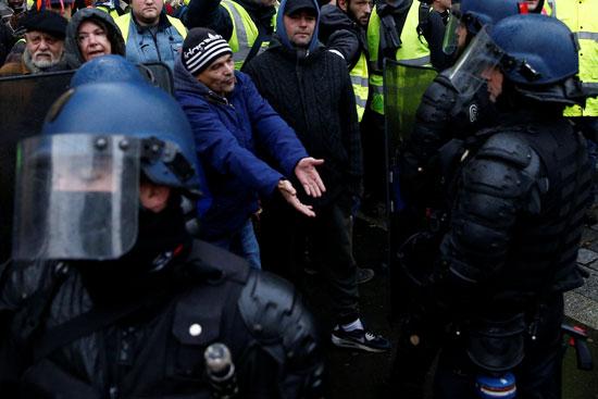 مظاهرات-فرنسا-(19)