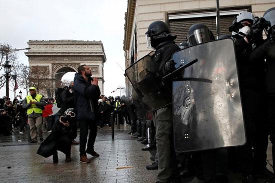 مظاهرات-فرنسا-(27)