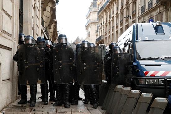 مظاهرات-فرنسا-(18)