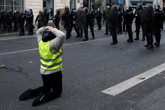 مظاهرات-فرنسا-(26)