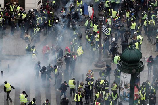 مظاهرات-فرنسا-(4)